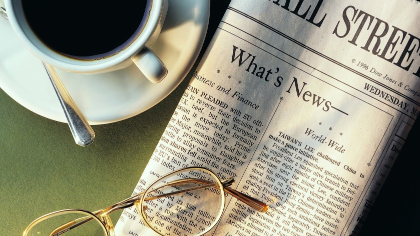 newspaper_coffee_cup_spoon_sunglasses_news_cup_holder_84893_2048x1152
